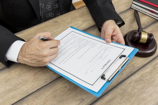 Signing Divorce Papers With a Lawyer